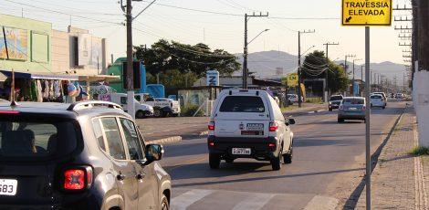Projeto obriga concessionárias a dar prioridade à sinalização de trânsito