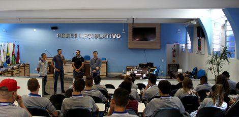 Câmara acolhe programa para jovens aprendizes