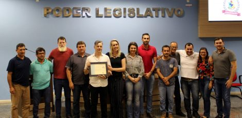 Legislativo homenageia Help Point